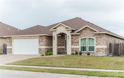 Corpus Christi Single Family Home For Sale: 3934 Giants Dr