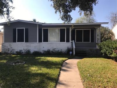 Corpus Christi Single Family Home For Sale: 3517 Topeka St