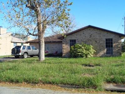 Corpus Christi Single Family Home For Sale: 7122 Edgebrook Dr