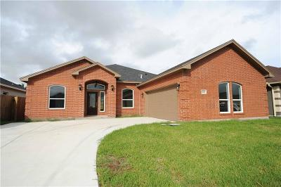 Corpus Christi Single Family Home For Sale: 6010 Adrian Dr