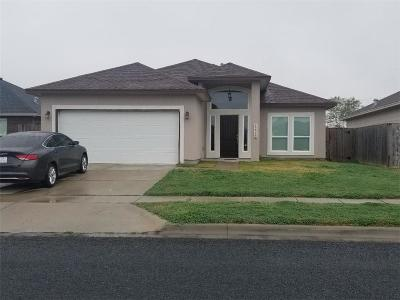 Corpus Christi Single Family Home For Sale: 1442 Days End Dr