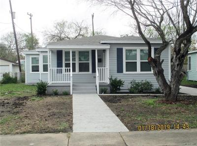 Corpus Christi Single Family Home For Sale: 425 W Clark Dr