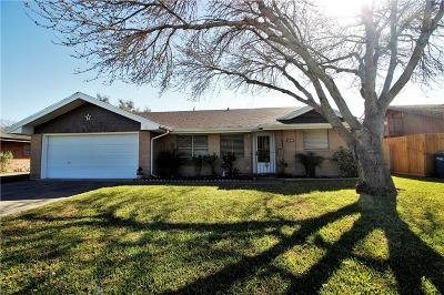 Single Family Home For Sale: 1038 Bradshaw Dr