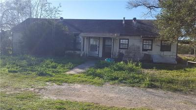 Kingsville Single Family Home For Sale: 233 E Fm 772