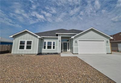 Corpus Christi Single Family Home For Sale: 15633 Escapade St