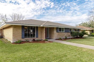 Single Family Home For Sale: 714 Monette Dr
