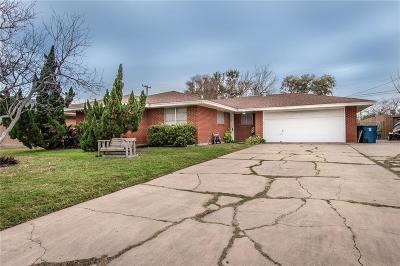 Portland Single Family Home For Sale: 112 Daniel Moore St