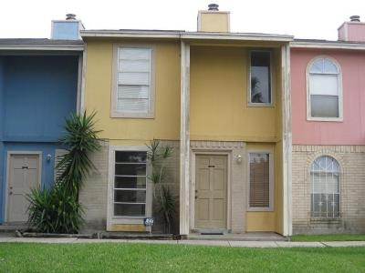 Corpus Christi Condo/Townhouse For Sale: 6702 Everhart Road #T105