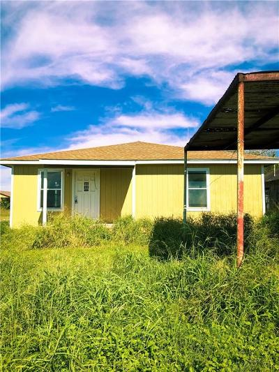 Robstown Single Family Home For Sale: 3320 County Road 38a