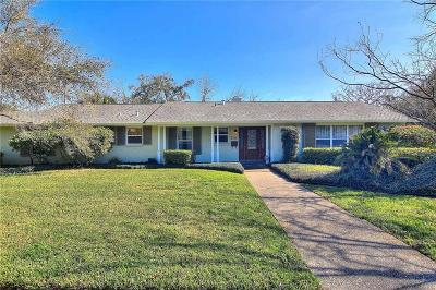Corpus Christi Single Family Home For Sale: 215 Mitchell St
