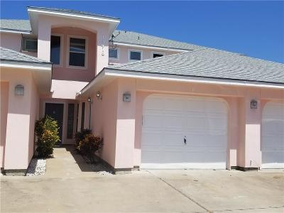 Corpus Christi Condo/Townhouse For Sale: 15418 Grass Cay Ct #B