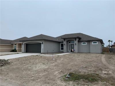 Corpus Christi Single Family Home For Sale: 14957 Schooner