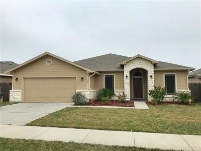 Corpus Christi Single Family Home For Sale: 1106 Pinehollow Lane