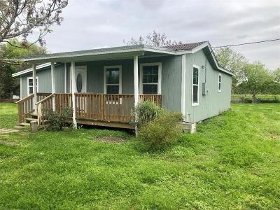 Robstown Single Family Home For Sale: 237 E Cong Solomon P Ortiz Blvd