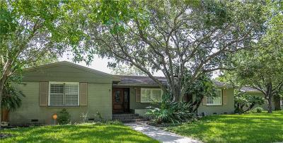Corpus Christi Single Family Home For Sale: 441 Grant Pl