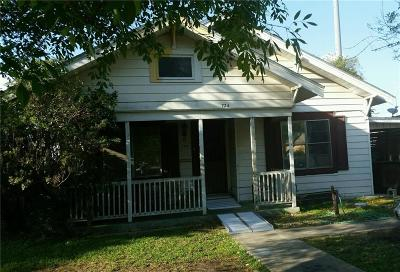 Kingsville Single Family Home For Sale: 724 W Richard Ave