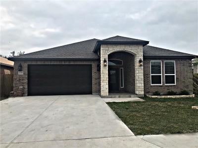 Corpus Christi Single Family Home For Sale: 3033 Oakdale Crossing