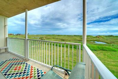 Port Aransas Condo/Townhouse For Sale: 700 Island Retreat Ct #122