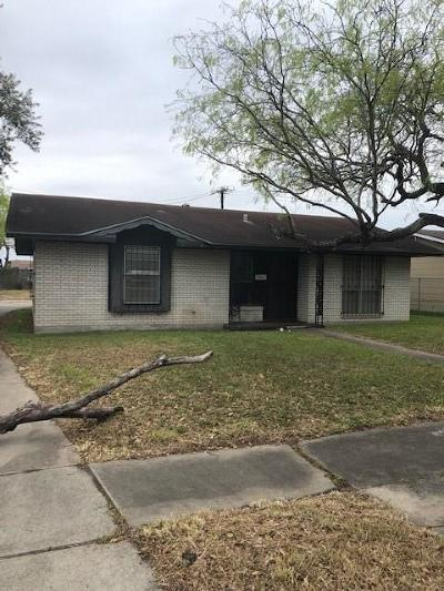 Corpus Christi Single Family Home For Sale: 4837 Broughton Dr