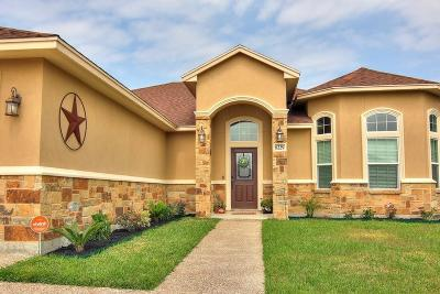 Corpus Christi Single Family Home For Sale: 8229 Merlin Pl