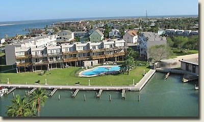 Port Aransas Condo/Townhouse For Sale: 900 N Station St #A 15/16