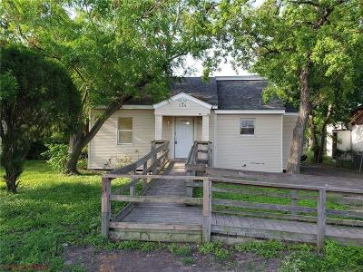 Robstown Single Family Home For Sale: 134 W Avenue G