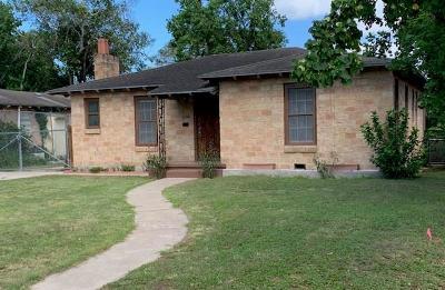 Corpus Christi Single Family Home For Sale: 4334 Dinn St