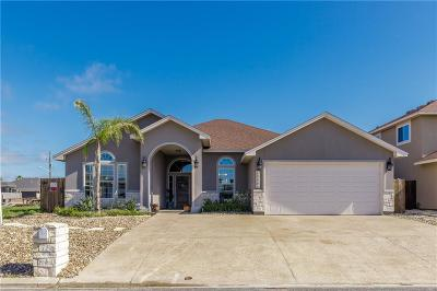 Corpus Christi Single Family Home For Sale: 13954 Blackbeard Dr