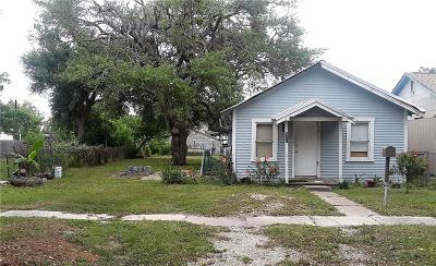 Aransas Pass Single Family Home For Sale: 621 S Rife St
