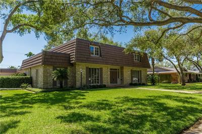 Corpus Christi Single Family Home For Sale: 233 Cape Cod Dr