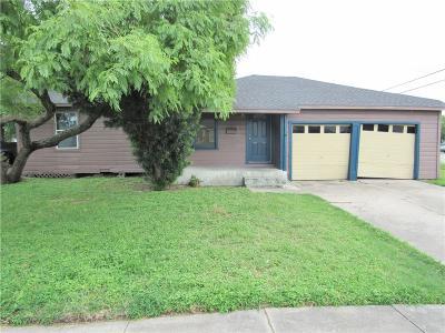 Corpus Christi Single Family Home For Sale: 1061 Vaky St
