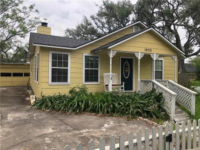 Rockport Single Family Home For Sale: 1032 N Magnolia St