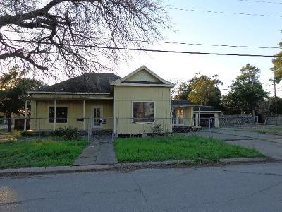 Kingsville Single Family Home For Sale: 331 S 9th St