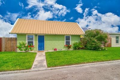Port Aransas Single Family Home For Sale: 134 Alister St #2