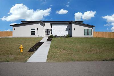 Corpus Christi Single Family Home For Sale: 1190 Hyde Park Dr