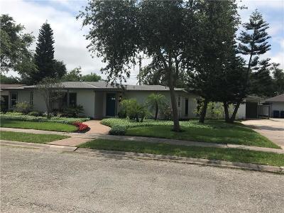 Corpus Christi Single Family Home For Sale: 421 Bermuda Pl
