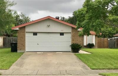 Corpus Christi Single Family Home For Sale: 5826 Crest Pebble Dr