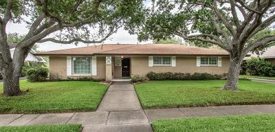 Corpus Christi Single Family Home For Sale: 626 Brock Dr
