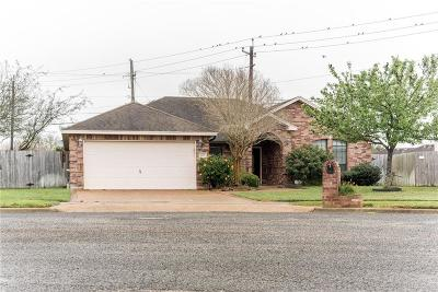 Corpus Christi Single Family Home For Sale: 3218 Bordeaux Dr