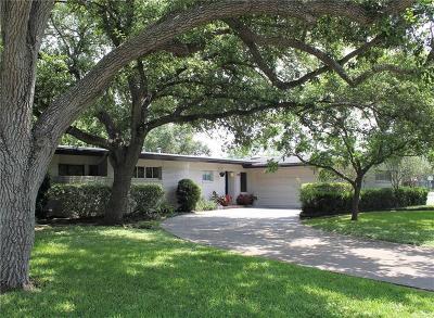Corpus Christi Single Family Home For Sale: 457 Dolphin Pl