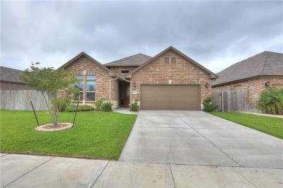 Corpus Christi Single Family Home For Sale: 2513 Las Estrellas St