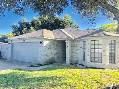 Corpus Christi Single Family Home For Sale: 6521 Bobcat Dr