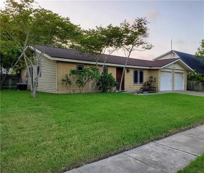Corpus Christi Single Family Home For Sale: 3422 Charlotte Dr