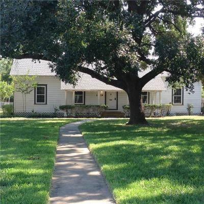 Kingsville Single Family Home For Sale: 1209 W Santa Gertrudis St