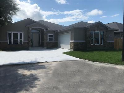 Corpus Christi Single Family Home For Sale: 3037 Oakdale Crossing