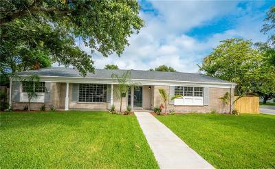 Corpus Christi Single Family Home For Sale: 402 Montclair Dr