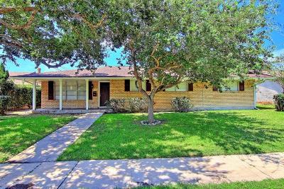 Corpus Christi Single Family Home For Sale: 4622 Jarvis St
