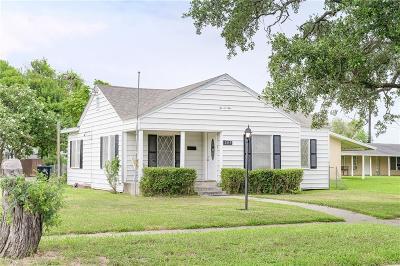 Sinton Single Family Home For Sale: 209 W Merriman St