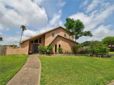 Corpus Christi Single Family Home For Sale: 5201 Bromley Dr