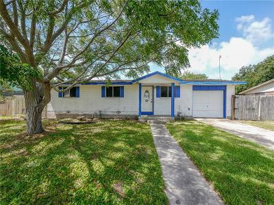 Corpus Christi Single Family Home For Sale: 417 Polaris Pl